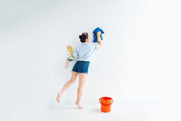 Cleaning Your Walls in 8 Easy Steps