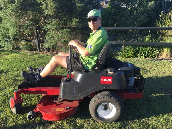 Garden services maintenance lawn mowing service in hope for Vip lawn mowing services