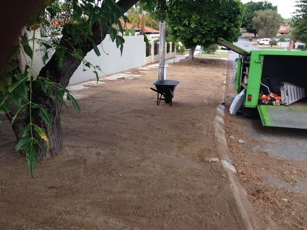 Garden services maintenance lawn mowing service in east for Vip lawn mowing services