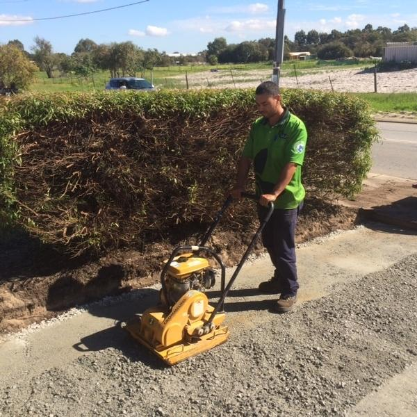 Garden services maintenance lawn mowing service in swan for Vip lawn mowing services