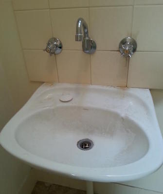 Dirty Bathroom Sink - Fullarton - Prior to our cleaning service.